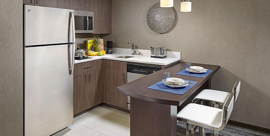 Bayside-HW-King-Studio-Kitchen