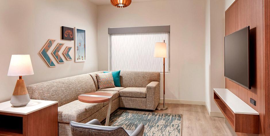 Suite-living-Room---AE